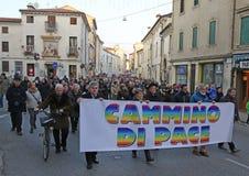 Vicenza (VI) Italien 1st Januari 2016 Biskop för fredmars av Arkivbild