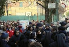 Vicenza (VI) Italien 1st Januari 2016 Gå för folk för fredmars Royaltyfri Foto