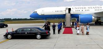 Vicepresidente José 'Joe' Biden de los E.E.U.U. llega en Belgrado Fotografía de archivo