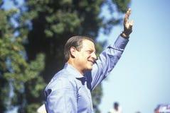 Vicepresidentet Al Gore delta i en kampanj för den demokratiska presidentnomineringen på Lakewood parkerar i Sunnyvale, Kaliforni Royaltyfri Foto