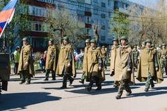 VICHUGA, RUSIA - 9 DE MAYO DE 2015: Desfile en honor de la victoria en la Segunda Guerra Mundial, Rusia Imágenes de archivo libres de regalías