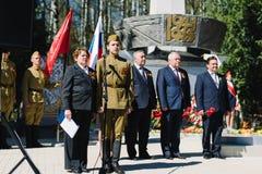 VICHUGA, RUSIA - 9 DE MAYO DE 2015: Desfile en honor de la victoria en la Segunda Guerra Mundial, Rusia Fotografía de archivo libre de regalías