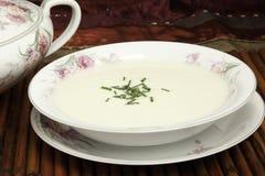 Vichyssoise Suppe lizenzfreie stockbilder