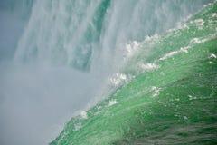 Vicino al cascate del Niagara Fotografia Stock