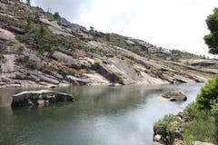 Vicino al fiume di Ezaro waterfal Sea Rocce paesaggio Immagine Stock Libera da Diritti