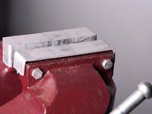 Vicio industrial con las placas suaves del apretón del metal fotos de archivo