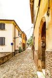 vicoli del villaggio medievale Immagini Stock