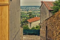 vicoli del villaggio medievale Fotografie Stock Libere da Diritti