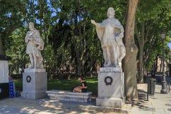 Vicolo con le statue di re spagnoli a Madrid Fotografia Stock Libera da Diritti