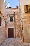 Vicolo. Conversano. La Puglia. L'Italia. Immagini Stock