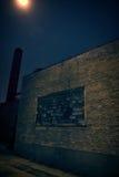 Vicolo d'annata scuro alla notte Immagini Stock Libere da Diritti