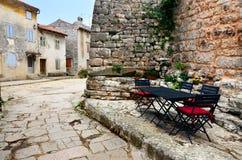 Vicolo del ciottolo in Istria, Croazia Immagini Stock