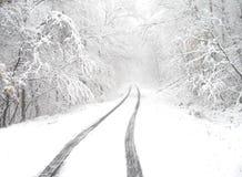 Vicolo del paese dello Snowy Fotografia Stock Libera da Diritti
