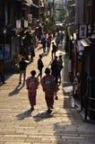 Vicolo di Kiyomizu, Kyoto Giappone fotografia stock libera da diritti
