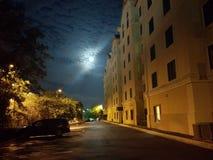 Vicolo di luce della luna Immagini Stock