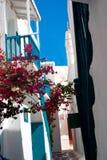Vicolo greco tradizionale sull'isola di Mykonos Fotografie Stock Libere da Diritti