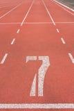 Vicolo numero sette della pista di atletica fotografia stock libera da diritti