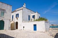 Vicolo. Otranto. La Puglia. L'Italia. Immagini Stock Libere da Diritti