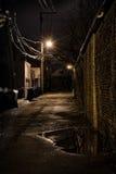 Vicolo scuro della città Fotografia Stock