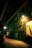 Vicolo scuro della città Fotografie Stock