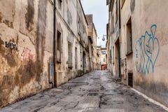 Vicolo stretto nella vecchia città Immagini Stock Libere da Diritti