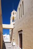 Vicolo stretto su Santorini Fotografie Stock Libere da Diritti