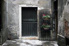 Vicolo urbano a Venezia Italia Immagini Stock Libere da Diritti