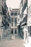 Vicolo vuoto di Venezia Immagini Stock