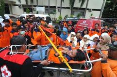 victimes de évacuation des accidents d'une taille photographie stock libre de droits