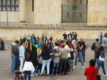 Victimes de violence et étudiants dans la protestation à Bogota, Colombie photographie stock libre de droits