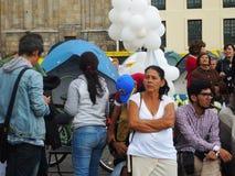 Victimes de violence et étudiants dans la protestation à Bogota, Colombie images libres de droits