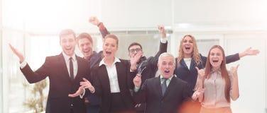 Victoire dans les affaires Équipe réussie d'homme d'affaires et d'affaires dessus Photo stock