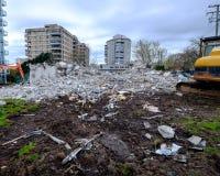 Victoria, AVANT JÉSUS CHRIST, le 21 mars : bâtiment 1075 de services de Westcan de rue de Pandore après démolition, le 21 mars 20 Photographie stock libre de droits