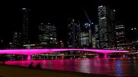 Victoria Bridge-lichten bij nacht stock footage