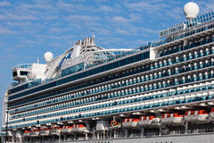 Victoria Cruise Ship Imágenes de archivo libres de regalías