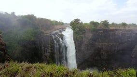 Victoria, dalingen, Afrika, Zimbabwe, aard, waterval, zambezi, kloof, water, vers landschap, rivier, plons, canion, regenboog, tr stock videobeelden
