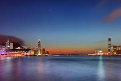 victoria för habourHong Kong natt sikt royaltyfria foton