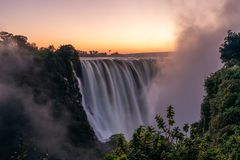 Рассвет на Victoria Falls стоковые фотографии rf