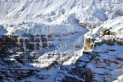 Victoria Glacier In Banff National parkerar Arkivbilder