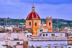 Victoria, Gozo, Malta: Panoramica con il san George Basilica Fotografia Stock Libera da Diritti