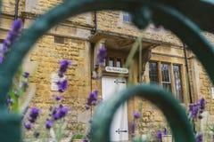 Victoria Hall en été Photos stock