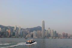 Victoria Harbour, een aardlandform haven tussen Hon wordt gesitueerd die Stock Afbeeldingen