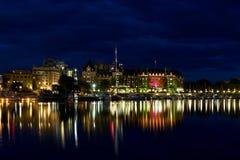 Victoria Inner Harbour på natten Arkivbild