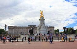 Victoria Memorial et Buckingham Palace Londres photographie stock