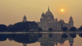 Victoria Memorial i aftonen, Kolkata, Indien tidschackningsperiod arkivfilmer