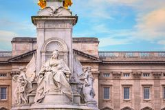 Victoria Memorial at the Mall Road in front of Buckingham Palace. London, UK Stock Photos