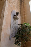 Victoria på den Gozo ön, Malta - Maj 8, 2017: Monument till Roman Catholic Priest Egidio Vigano Fotografering för Bildbyråer