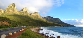 "Victoria Road in Cape Town †""Zuid-Afrika stock foto's"