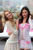 Victoria's Secret, Miranda Kerr, Candice Swanepoel Imagenes de archivo