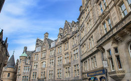 Victoria Street historic city view with traffic and building in old town Edinburgh Royalty Free Stock Images